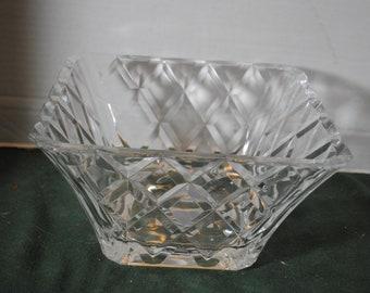 Mikasa Diamond Sparkle 10 inch Square Bowl