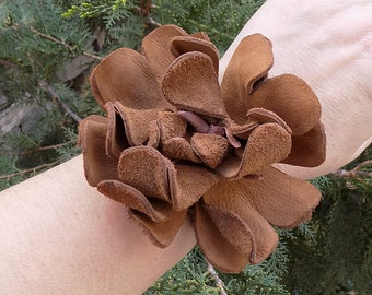 Romantic bracelet,leather flower bracelet,Flower bracelet,Leather flower jewelry,Women leather cuff,leather flower cuff,leather bracelet