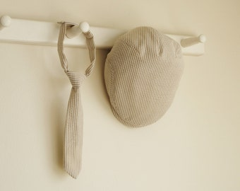 Khaki seersuker baby boy prop set, Khaki flat cap and necktie spring baby photo prop necktie set -  made to order