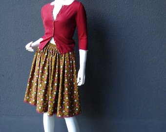 Skirt with roses and daisies unique