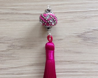 Pendant Pearl Kashmiri with Rhinestones and hot pink large Pompom