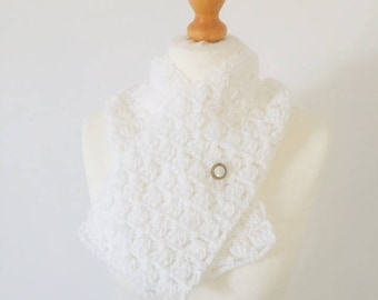 White Cowl, Gift For Her, Christmas Stocking Filler, Cowl, Infinity Scarf, Snood, Circle Snood, Chunky Cowl, Crochet Cowl, Neck Warmer