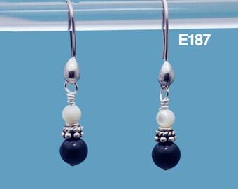 Yin Yang earrings / Black and White earrings / Mother of Pearl earrings / Black Onyx earrings / Black and White jewelry in Sterling Silver