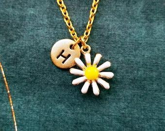 Daisy Necklace VERY SMALL Daisy Jewelry Personalized Necklace Daisy Charm Necklace Flower Necklace Flower Girl Gift Daisy Pendant Initial