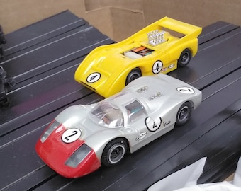 Vintage 1970's HO Scale High Banked Tyco Pro Racing Set