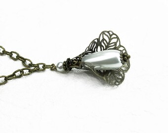 Snow White Teardrop Glass Pearl and Filigree Pendant Necklace - Vintage Style - Romantic