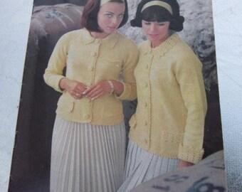 PATONS BOOK 781 Luxurious Lambswool Hand Knits Cardigans Skinny Rib Sweaters Skimpy Slinky Dress