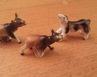 Vintage Super Miniature Cow Figurines