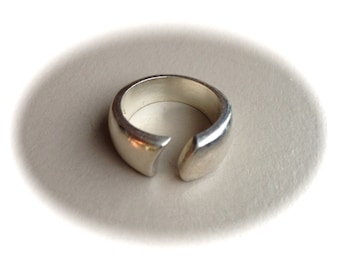 Solid Sterling Silver Ring (Available sizes 6, 7, 8)