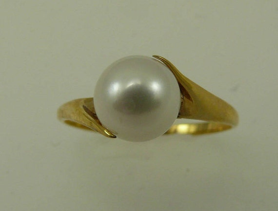 Akoya White Pearl Ring 14k Yellow Gold