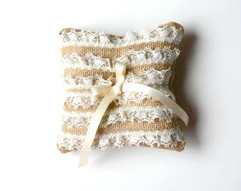 Wedding Burlap Ring Pillow,  lace ring pillow, ring pillow, ring bearer pillow, rustic wedding outdoor wedding, lace pillow for ring bearer