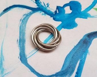 Fidget Möbii Spin Ring: Loose Rings Möbius Moving Rolling Fidget Design