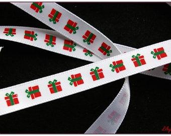 1 meter of Red satin ribbon 10mm Christmas pattern