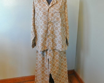 Omg! 70s Mac Phergus Mens Pajamas