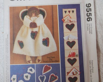 Angel and Ornaments McCall's Craft Pattern 9556, UNCUT