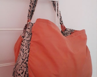 Tote bag with leopard print