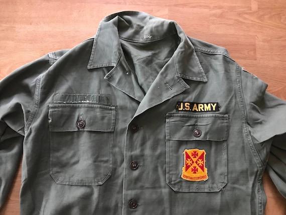 Vintage WWII Army Shirt // Long Sleeve Army Green Grunge Shirt // Vintage Patches // Women's Medium Large // Men's Medium Small yKfWwI1l