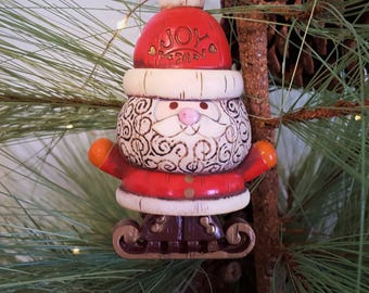 1976 Santa Yesteryears Hallmark Tree Trimmer Collection Christmas Ornament, Dated 1976