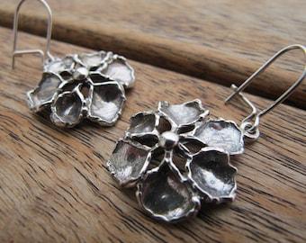 Flower Earrings, Silver Flower Earrings, Sterling Silver Earrings, Silver Dangle Earrings, Nature Earrings, Flower Jewelry, Floral Earrings