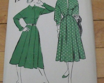FREE SHIP 1941 Hollywood Pattern - 731 - Dress - Size 14, Bust 32