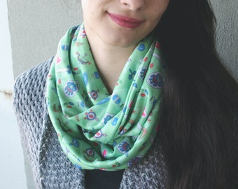 Legend of Zelda Infinity Scarf - Green Winter Scarf / Illustrated Cartoon Print / Geeky Scarf / Videogame Lover Gift / Ocarina of Time