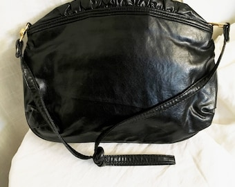 Vintage 1980s Totes Adorbs Black Leather Ruffle Jiffy Bag Purse