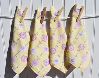 """Set of 4 9""""  Single Ply Flannel Cloth Napkin Sweet Floral Print"""