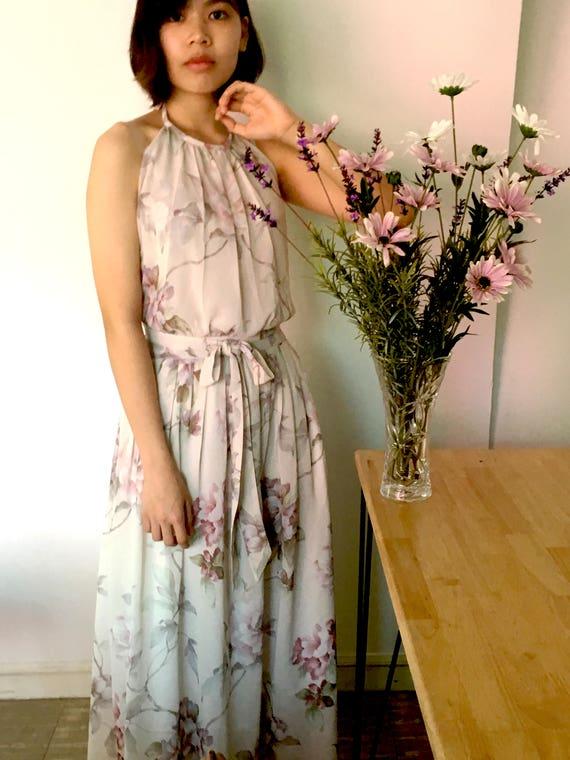 Floral Neckholder-Kleid rosa Blumen Brautjungfernkleid