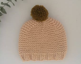 Petale knitted beanie with miel pompon