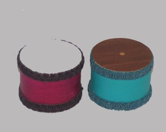 Shaker Drums ( unique hand shakers ) by American Percussion.com