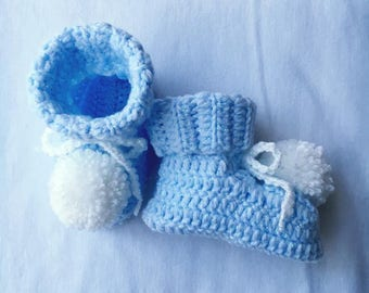 Crochet Pom Pom Booties, Baby Crochet Shoes, Blue Pom Pom Booties, Baby Crochet Slippers, Baby Shower Gift, Newborn,  Baby Crochet Shoes.