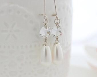 Pearl Drop Earrings • Bridal pearl earrings • Silver and pearl drop earrings with crystals
