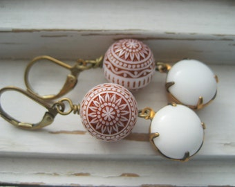 Struvor, Swedish Christmas Cookie earrings, vintage lucite, red and white, holiday dangle earrings