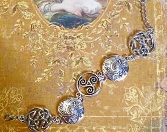 Celtic myths Brecheliant bracelet