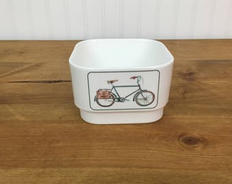 Candy dish, vintage bicycles