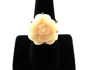 Single Rose Statement Ring Cream Color in Gold Tone.   Vintage Circa 1980.  Size 7  Gift Quality
