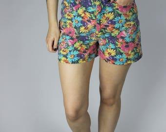Vintage Highwaist Blumen bunte Shorts Hotpants Pink Lila Grün Blau Hosen Hippie Boho Flowerpower Retro Punk Alternative Grunge