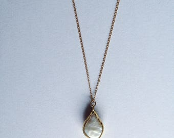 Gold plated chains 14kt - mother-of-pearl pendant