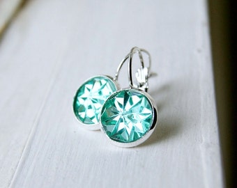 fresh and minty cabochon earrings, lever back, silver green, sparkle, mint green, shimmer