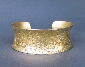 Hammered Gold Cuff Bracelet Brass Jewelry Textured Metal Artisan Handmade Jewelry Modern Metal Jewelry