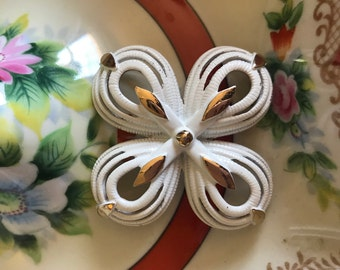 Vintage Large Signed Hobe White and Gold-Toned Dimensional Enameled Brooch