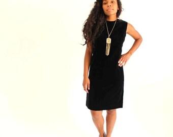 black velveteen dress . black shift dress . vintage lbd . sleeveless dress, womens medium large