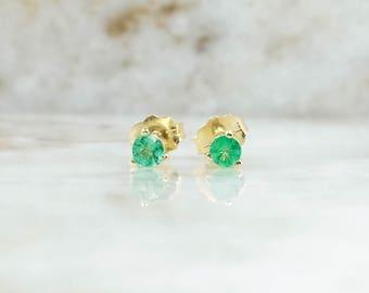 14K Yellow Gold 0.25ctw Round-Cut Martini Set Emerald Stud Pierced Earrings