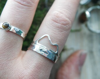 Arrow ring band | Antiqued Silver Ring band | Arrow ring | Midi ring | Silver ring band | Textured ring band | Thick ring band