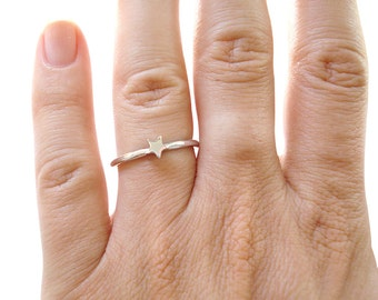 18K Star Ring, Star Engagement Ring, Wedding Jewelry, Stackable Gold Ring, Bridal Ring, Solid Gold Star Ring, 18 Karat white gold