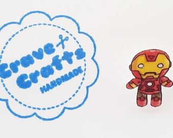 Superhero inspired pin/brooch/tie tack : Iron Man lookalike