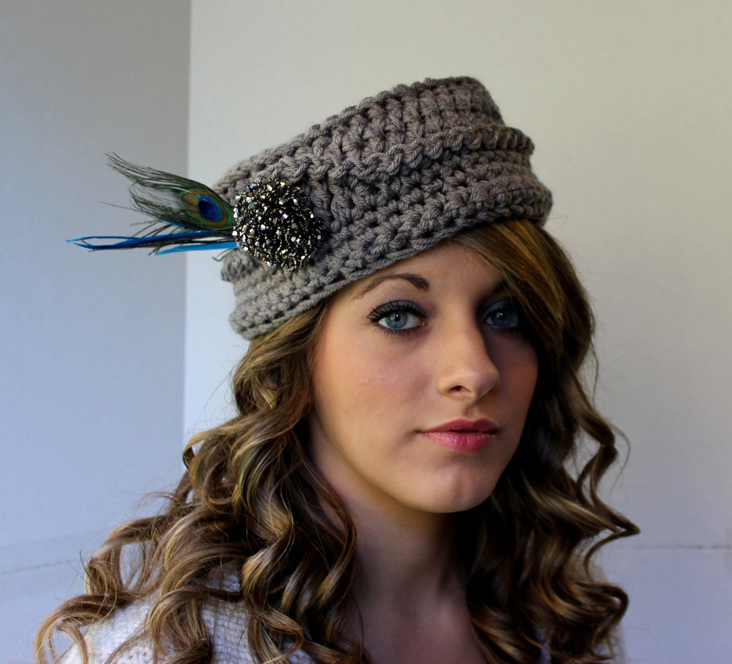 Crochet pillbox hat pattern vintage inspired photo zoom bankloansurffo Image collections