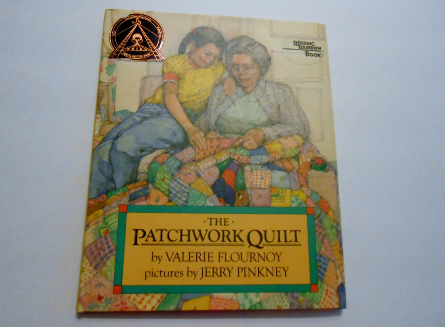 The pathwork quilt reading rainbow book hardback written by for Patchwork quilt book