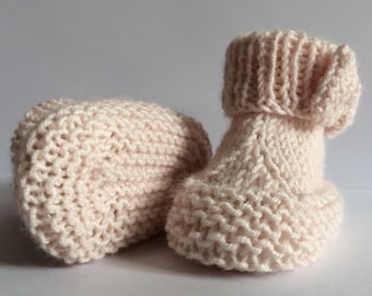 knitting pattern instant download pdf to knit baby booties bootees shoes in 3 sizes.