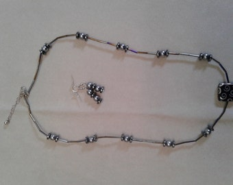 Necklace with Pearl and hematite